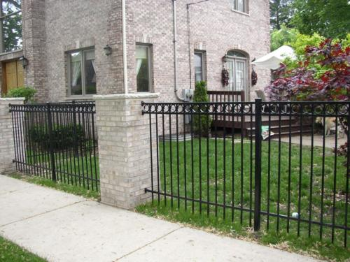 Majestic Style Aluminum Fence with Rings