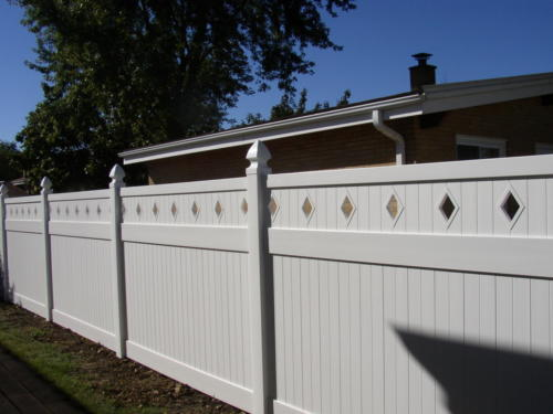 White Tongue & Groove Privacy with Reduced Top